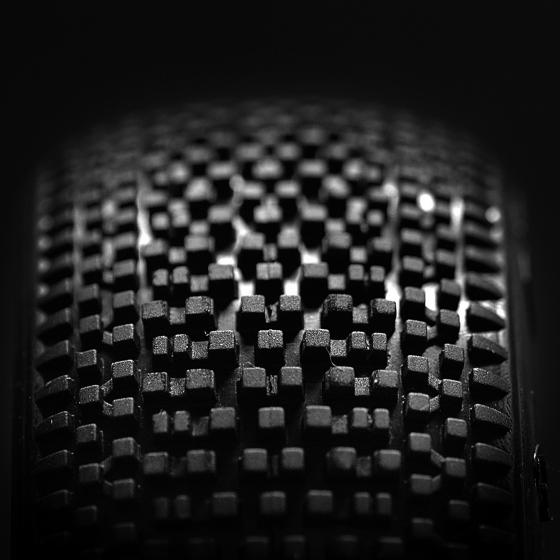 TB1005   1/8 越野複合中方釘胎皮